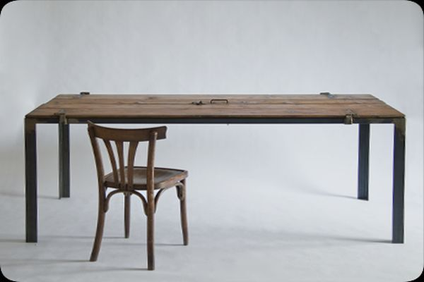 Multipurpose Table Made from a Vintage Door_2