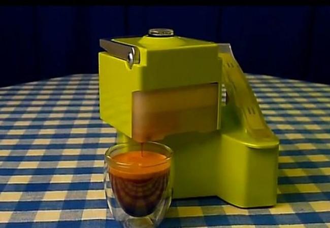 The Nomad portable manual espresso machine