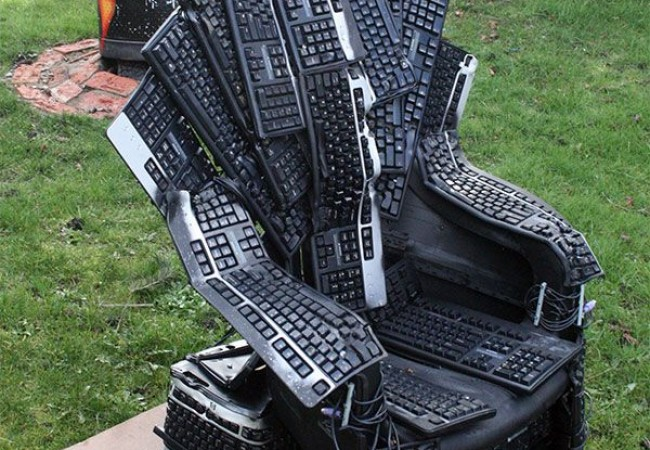 Throne of nerds - Keyboard Chair by Mike DeWolfe