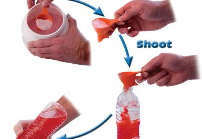 Shoot N Shake scooper comes with funnel and releasing lever_2