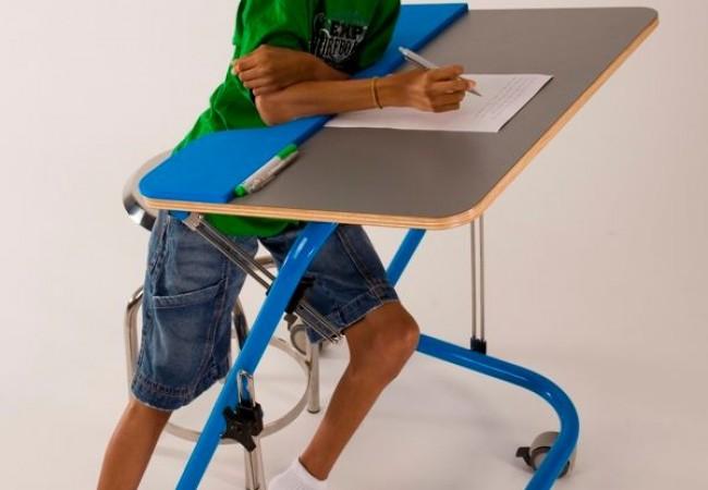 Pedagogic Folding Table by Paulo Oliveira_4
