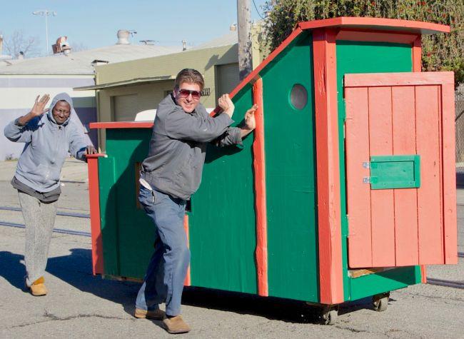 Kere Amrik tinggal di tempat sampah