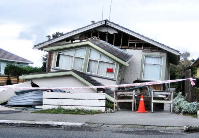 Stanford engineers test earthquake resistant house