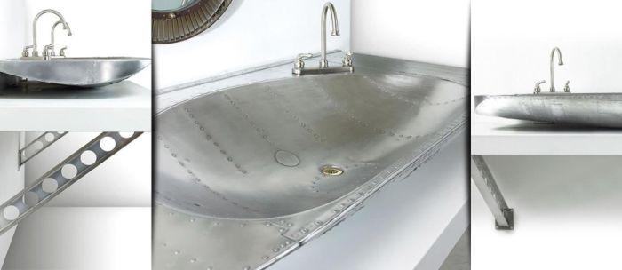 Stratotanker sink created from KC-97 front landing gear door_4